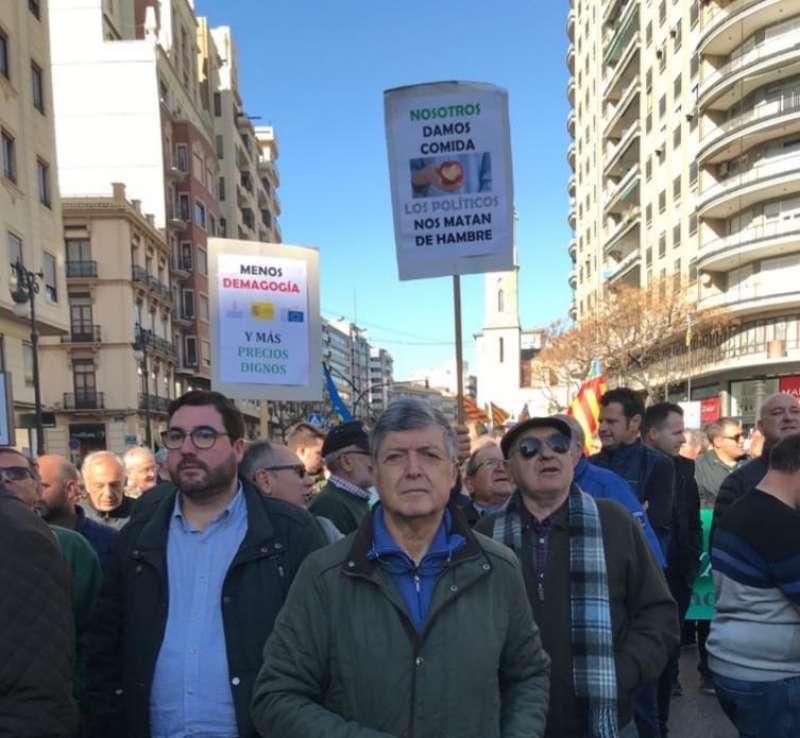Leandro Benito y Paco Campillo, en la manifestación en València. EPDA