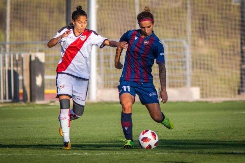 El Levante y el Athletic, enfrentados en un encuentro anterior, en una imagen difundida por el Levante Femenino.