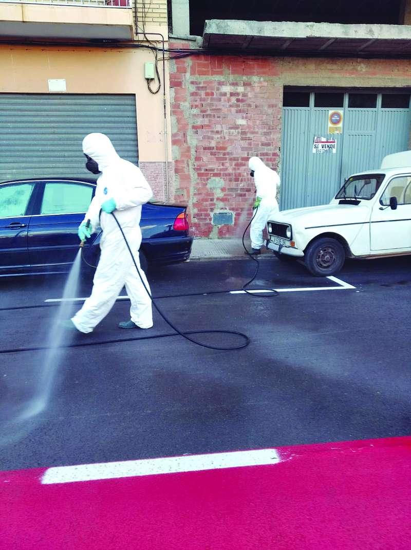 Desinfecció dels carrers a Quartell.