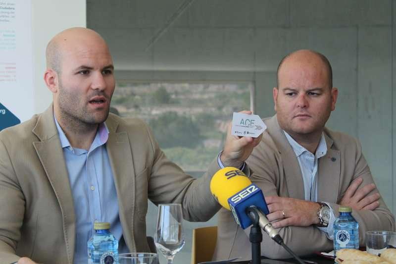 El alcalde de Teulada en la presentación del nuevo servicio