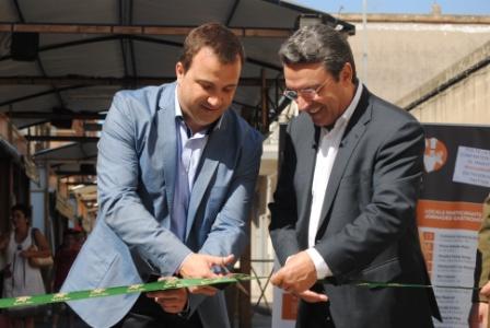 Alcalde y diputado en el momento de la inauguración. FOTO: DIVAL