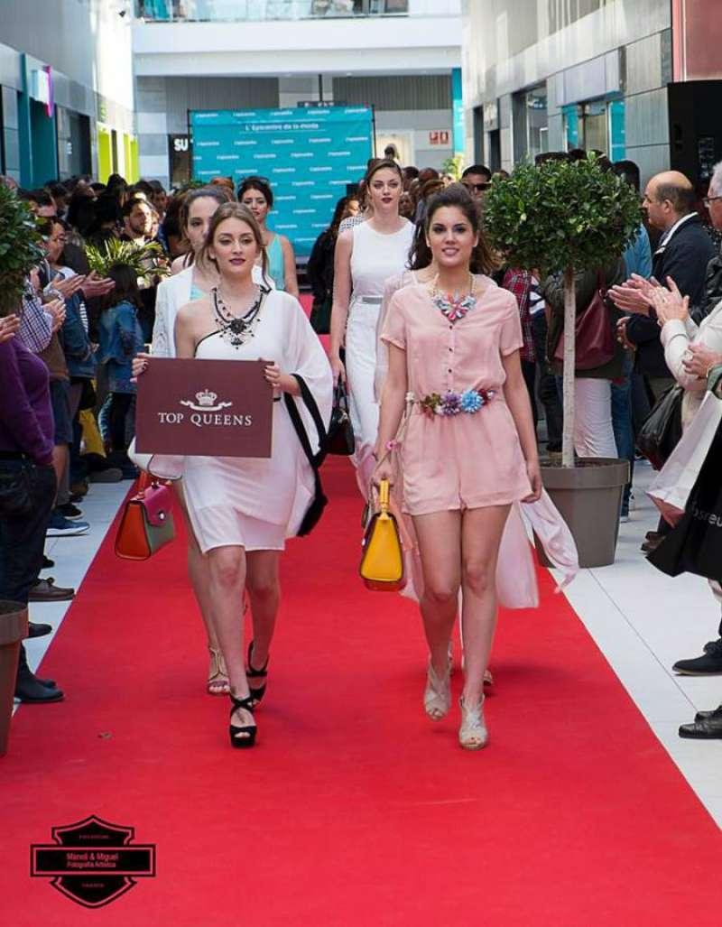 Las firmas del centro comercial prestaron la ropa de los modelos.