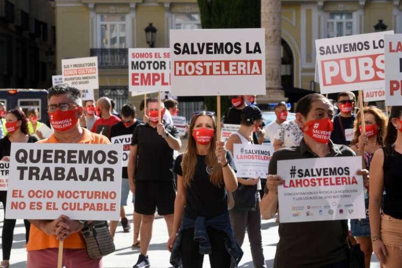 La Asamblea de la Acampada de Valencia se reúne para decidir si convoca la movilización contra las restricciones. EPDA.