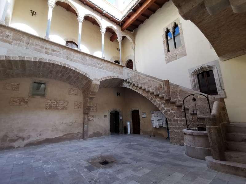 Interior del ayuntamiento de Albalat