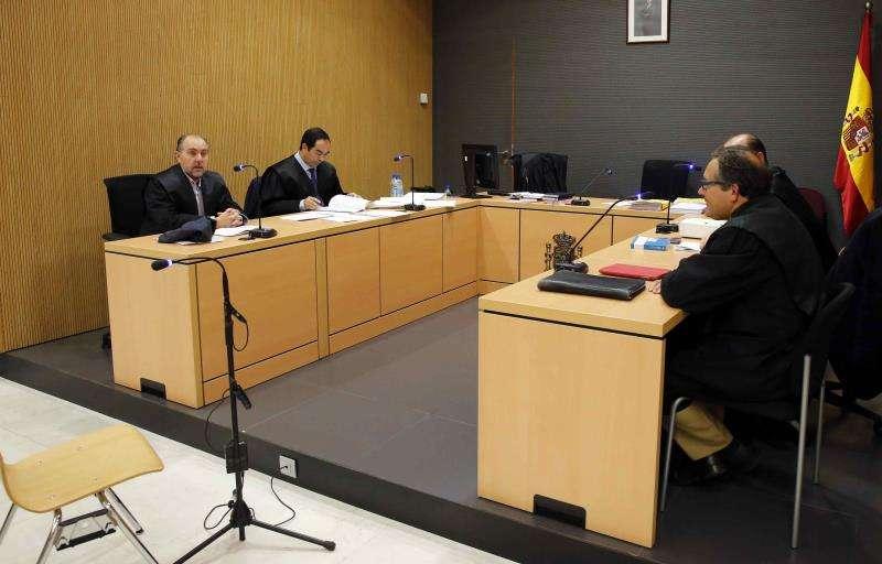 Sala de vistas antes del comienzo de un juicio. EFE/Archivo