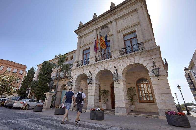 Ontinyent, Castelló, Gandía y Burjassot serán los municipios que recibirán estas ayudas. En la imagen el ayuntamiento de Gandía. -EPDA
