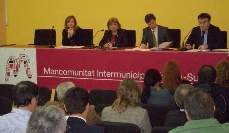 En el primer pleno presidido por Soledad Ramón como nueva responsable de la entidad comarcal, sus miembros han aprobado por unanimidad la composición de la nueva junta de gobierno local. FOTO: EPDA.
