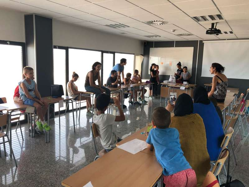 Llíria inicia el programa Escuela de Familias