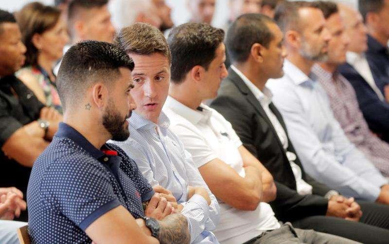 Exfutbolistas en el banquillo en el primer gran juicio en España por el posible amaño de un encuentro, el que disputaron el Levante y el Zaragoza. EFE/ Kai Försterling
