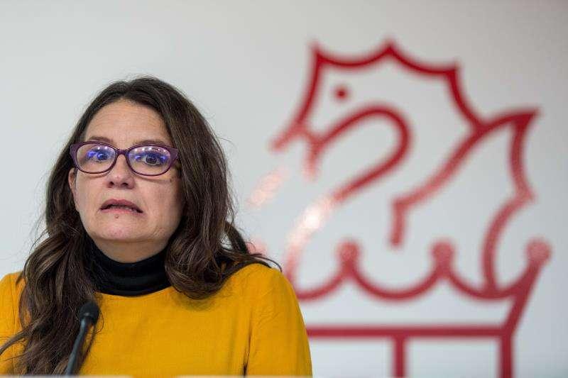 La vicepresidenta y portavoz del Consell, Mónica Oltra, durante la rueda de prensa posterior al pleno del Consell. EFE