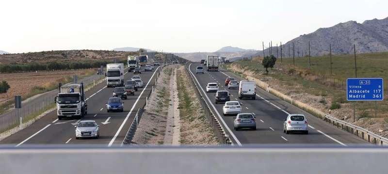 Imagen de la A-31 en Alicante. EFE/Manuel Lorenzo
