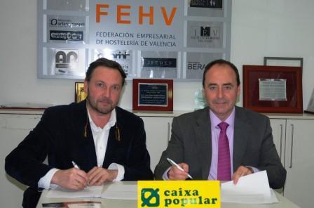 Manuel Espinar y  José M. Company fueron los encargados de la firma del convenio. Foto EPDA