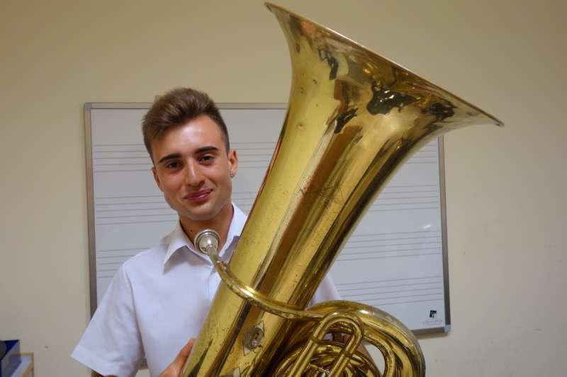 Tuba: Adrián Latorre Pérez. EPDA