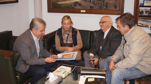 Reunión de Juan José Medina, Mª Carmen Santos y Miguel Martínez. FOTO: DIVAL