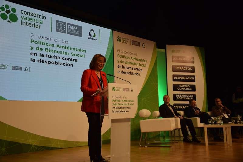Alcaldesa de Marines Lola Celda en su intervención en las Jornadas sobre Despoblación Rural. /epda