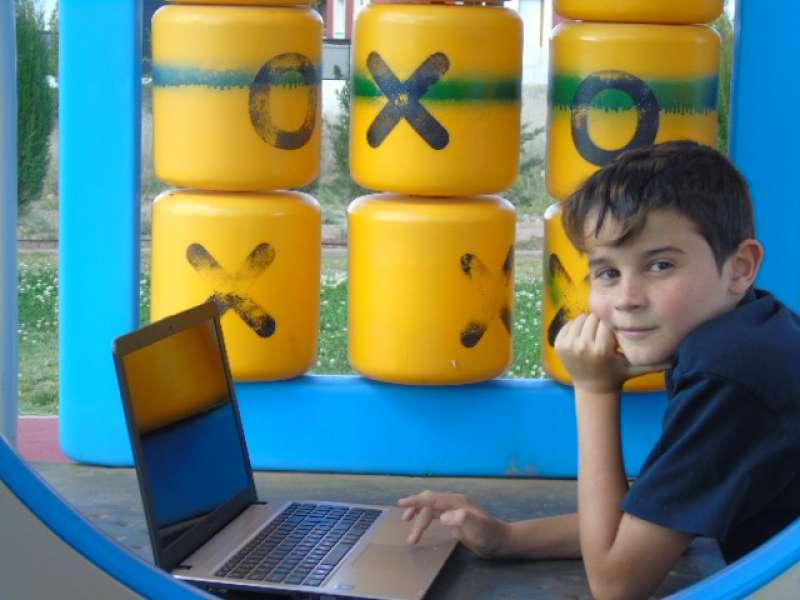 Un alumno disfruta de las clases de verano en Meca-Rural. / epda