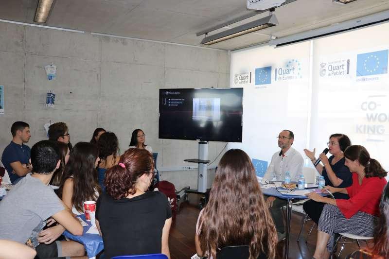 Reuniones de jóvenes en Quart, Café con Europa.