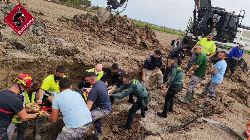 Rescate del operario. Foto: Diputación de Bomberos