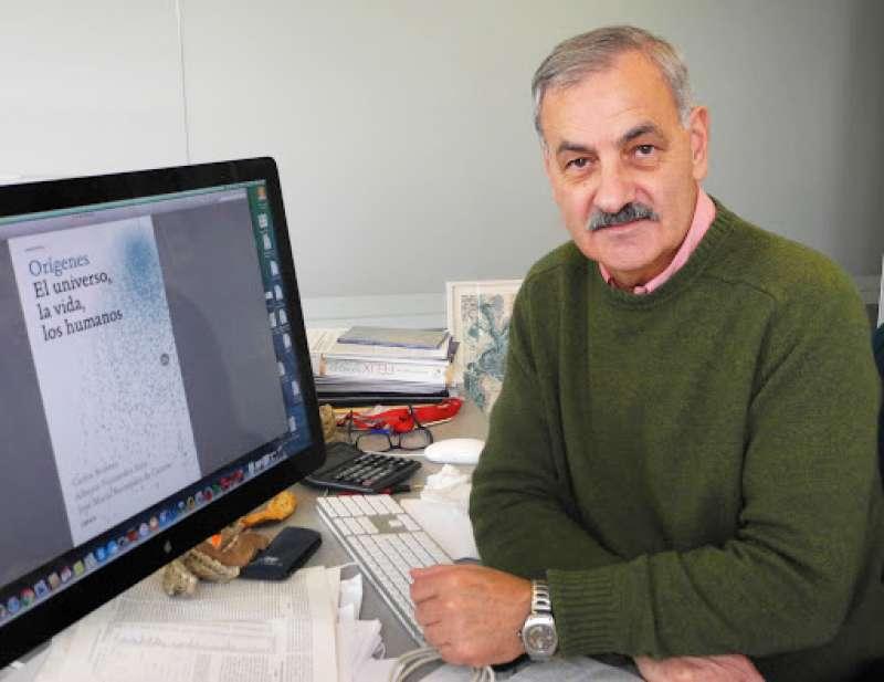 Bermúdez de Castro en su despacho de Atapuerca, Burgos.