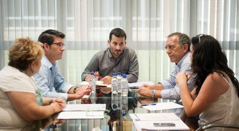 El Presidente de la Diputación Jorge Rodríguez y diputada provincial Mercedes Berenguer se reúnen con conseller Marzá. Foto Abulaila