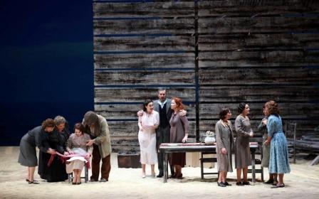 Manuel Galduf debuta en el foso del centro de artes con el estreno escénico de esta ópera. FOTO: GVA