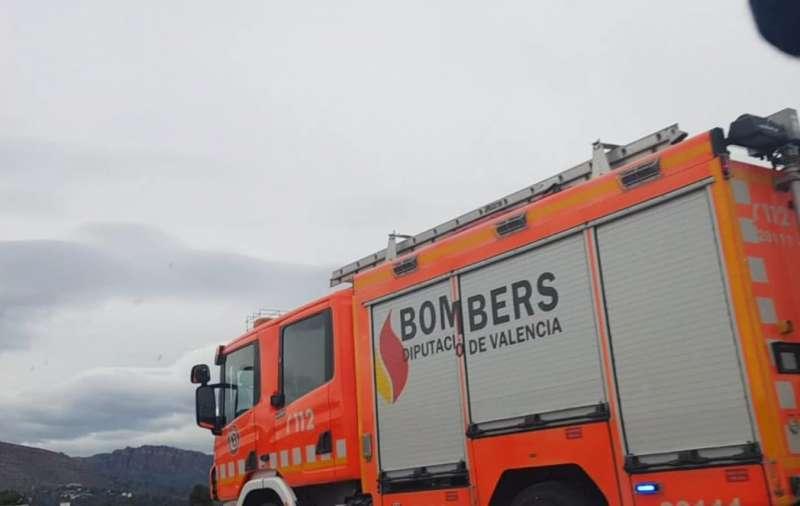 Imagen de archivo de un camión de bomberos en el lugar de un incendio. EPDA