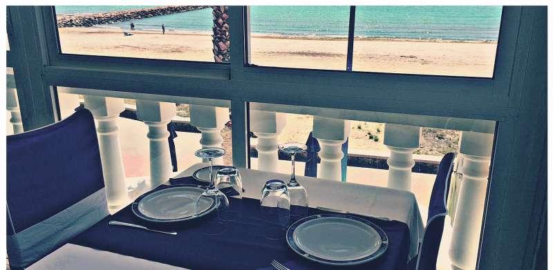 Vistal al mar desde el Restauranta La Marina ubicado frente a la playa de Puçol. EPDA