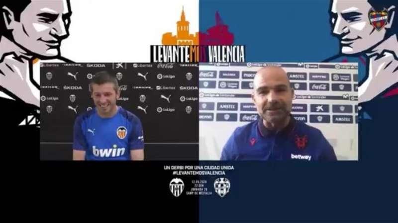 Los entrenadores del Valencia CF y del Levante UD, Albert Celades y Paco López, respectivamente, en un encuentro virtual mantenido ayer.