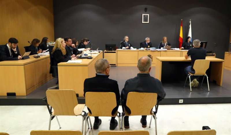 Varias personas durante un juicio. EFE/Archivo
