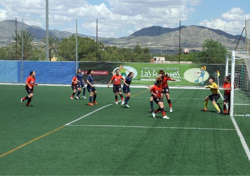 Partido de fútbol del equipo local. EPDA