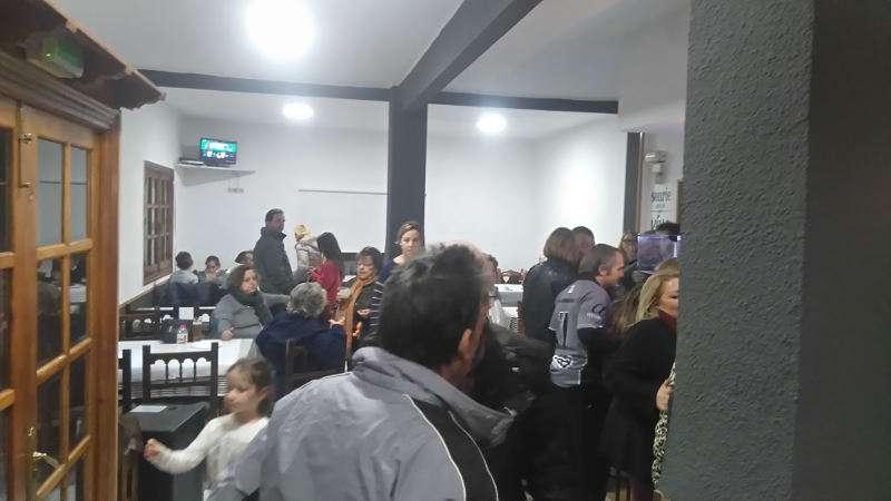 Decenas de personas acudieron a la inauguración de la nueva Cope de Masías, en Moncada. EPDA