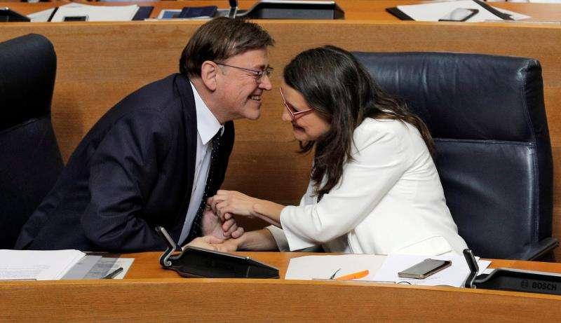 El candidato a la reelección como president de la Generalitat, Ximo Puig, y la vicepresidenta en funciones, Mónica Oltra. EFE