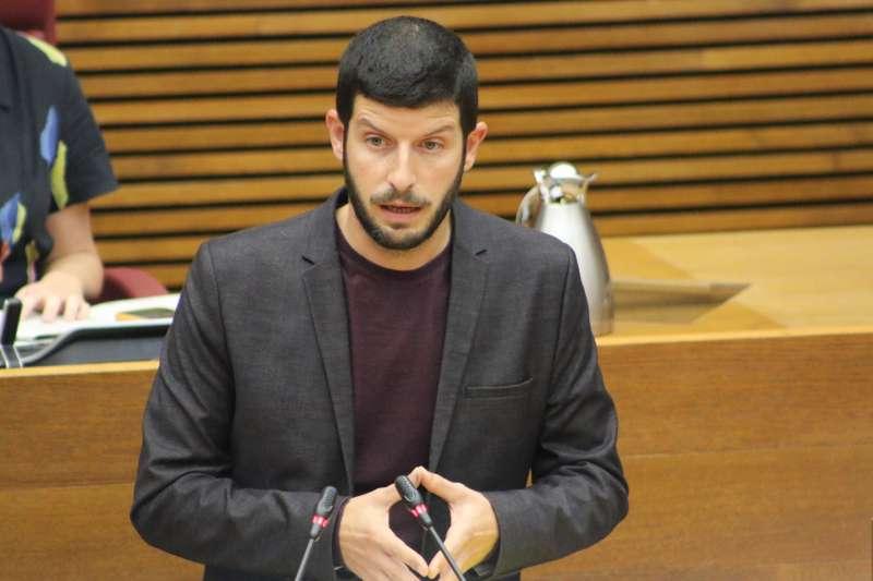 El diputado y portavoz de Compromís en la Comisión de Sanidad y Consumo de las Corts, Carles Esteve.
