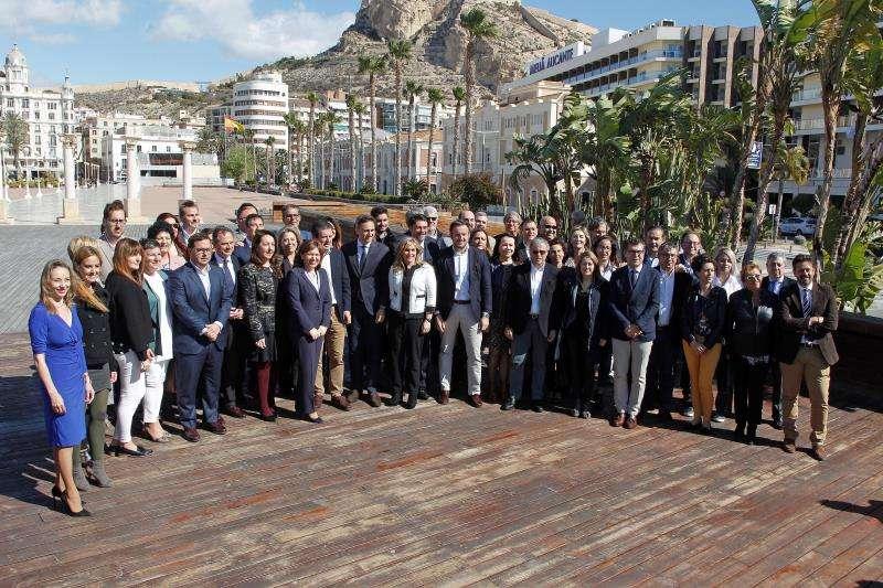 El PPCV ha presentado hoy a los integrantes de las listas a Cortes Valencianas,Senado y Congreso de los Diputados.EFE