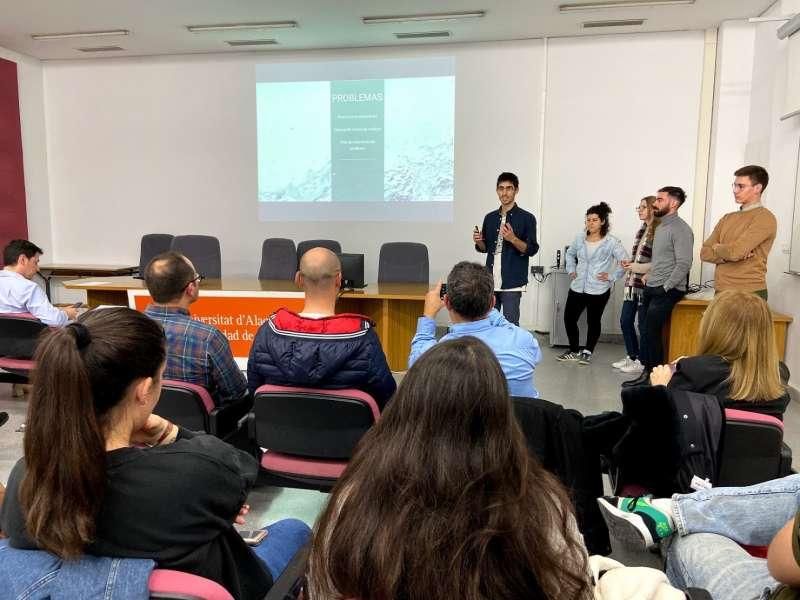 Estudiantes participando en el proyecto Gennera. / EPDA