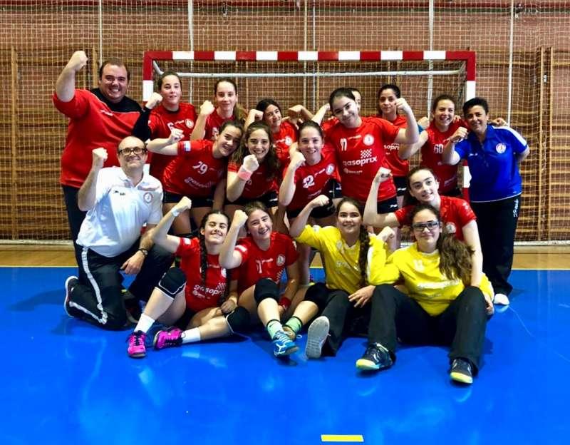 El equipo infantil femenino del BM Morvedre. EPDA