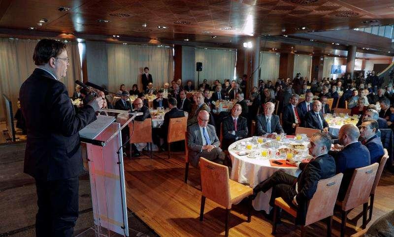 El president de la Generalitat, Ximo Puig, pronuncia la conferencia