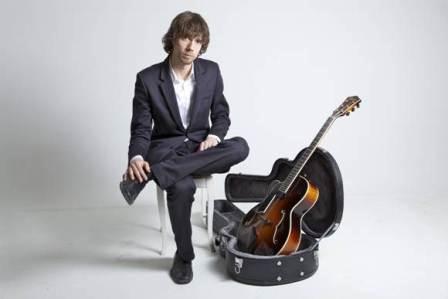 El guitarrista Gustav Lundgren.