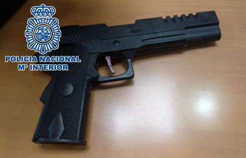 La pistola, en una imagen de la Policía Nacional.