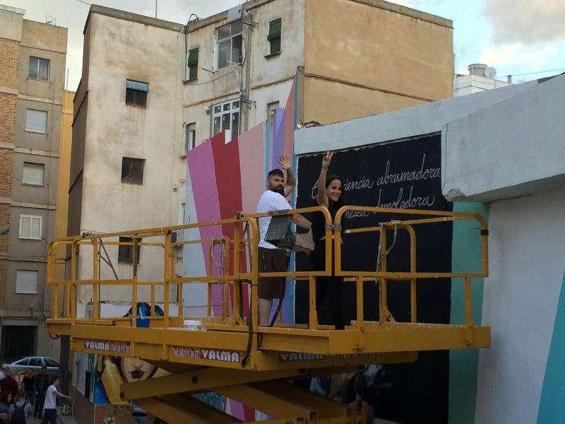 Artistas de pintura mural en Massanassa. EPDA