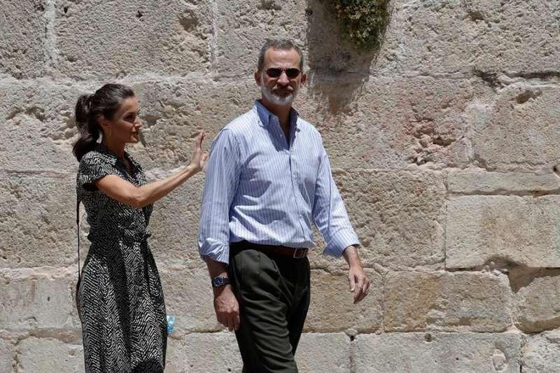 El rey Felipe VI y la reina Letizia visitan este viernes la Comunitat Valenciana dentro de su gira autonómica. EFE/Ballesteros