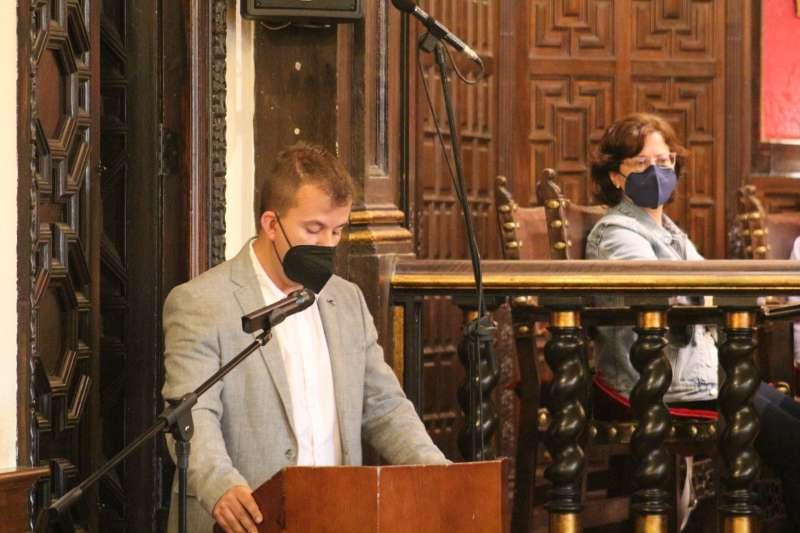Nacho Cantó en la presentación de la moción