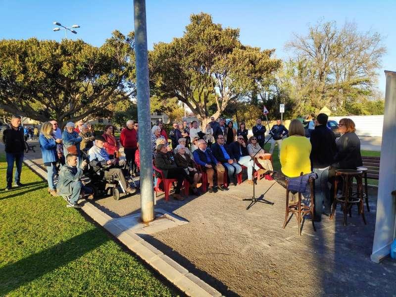 Militantes del PSPV en la presentación de Antoni a la alcaldía de Canet.
