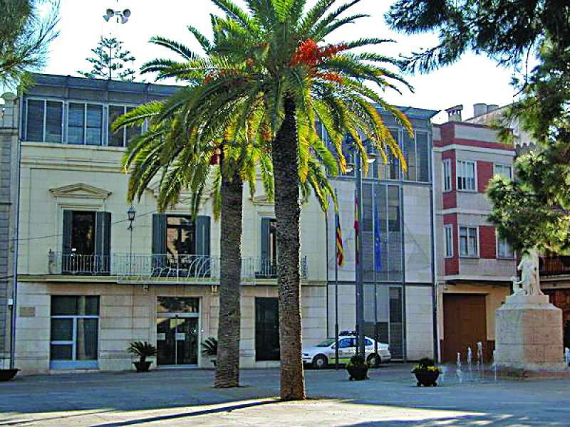 Fachada principal del Ayuntamiento de la localidad de Massamagrell. / EPDA