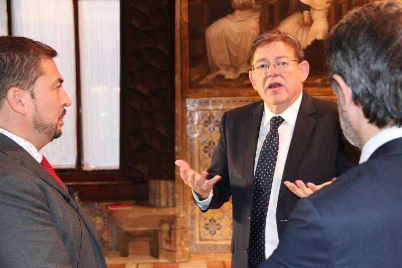 Ximo Puig durante la entrevista realizada por Pere Valenciano y Vicent Climent