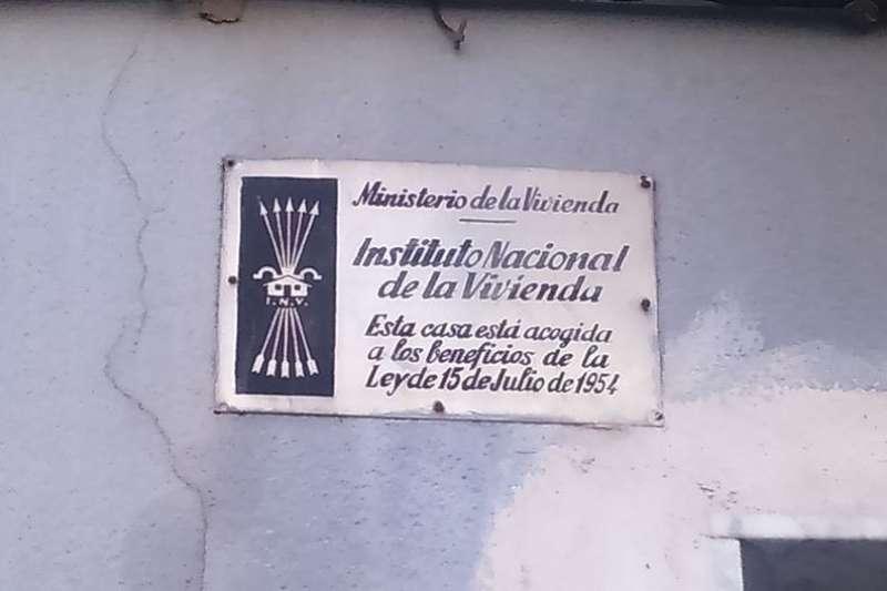 Placa franquisma a Xirivella. EPDA