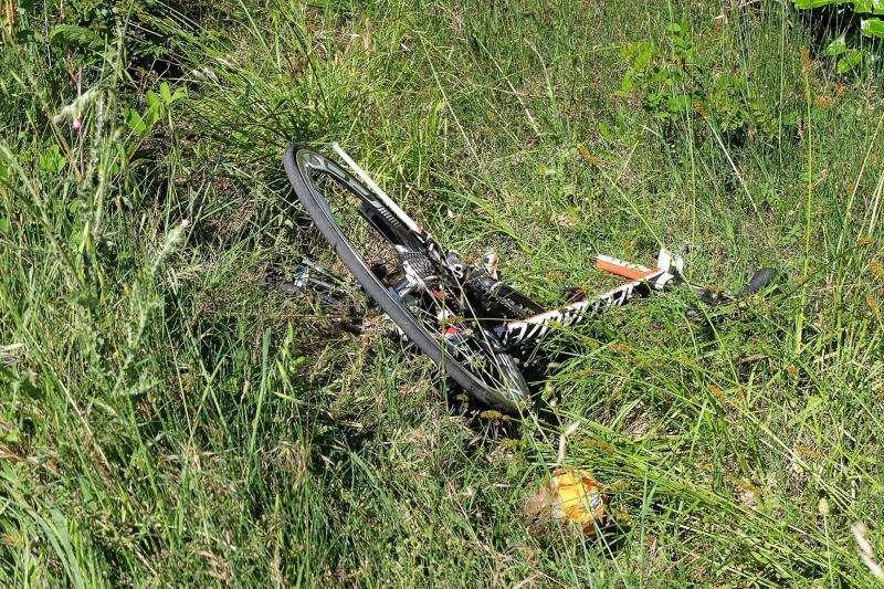 Una bicicleta tras sufrir un accidente de tráfico. EFE/Archivo