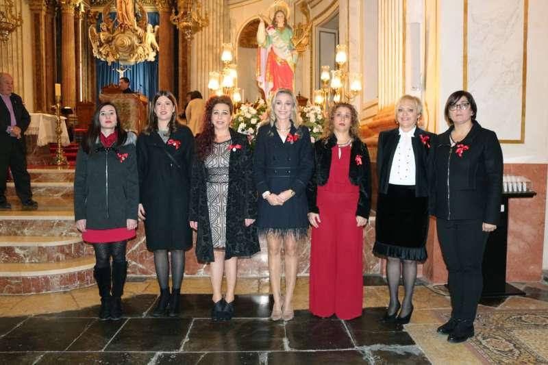 Clavaria, Consuelo Magdalena, con damas y clavariesas