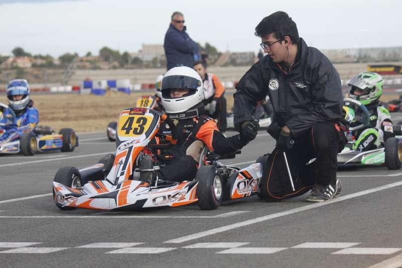 Un participane en el Kartodromo Internacional de Chiva. FOTO EPDA