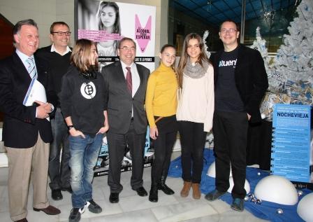 Representantes de la Conselleria de Sanitat, la ONG Controla Club y la red social española Tuenti presentan la campaña